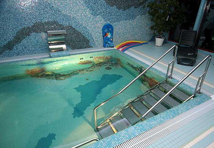 Как выбрать лестницу для бассейна?